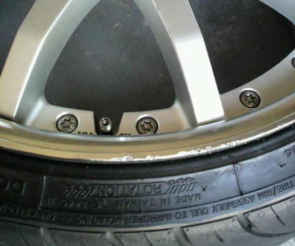 タイヤの危険性